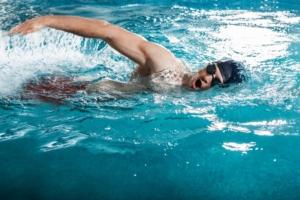 calories burned swimming